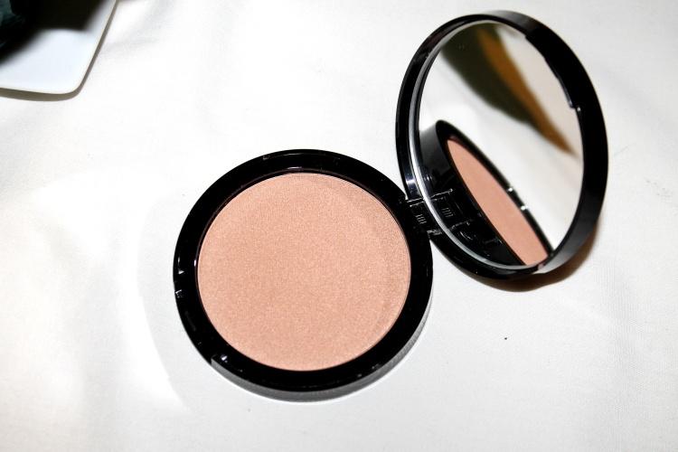 sephora-highlighting- powder-review.jpg-01