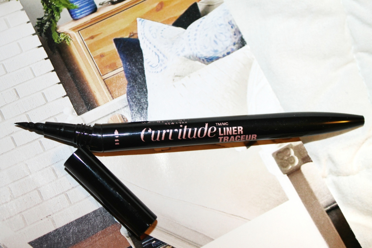 """Product Review: Curvitude Liquid Liner by Maybelline"""